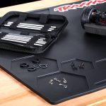 2_traxxas-heavy-duty-rubber-pit-mat-91.4-x-50.8cm—trx3426